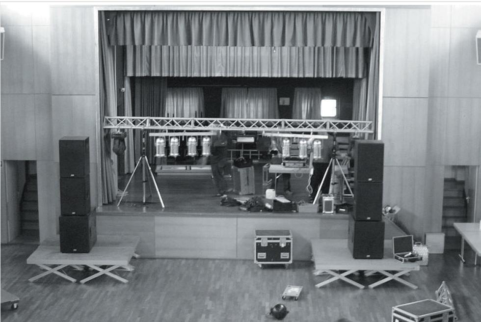 Aufbau der Party in der Jahnhalle